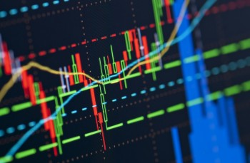 Investment and Technical Analysis Methods on Stock Markets